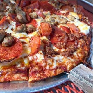 round table pizza in lake of the pines restaurant menu and reviews rh restaurantguru com
